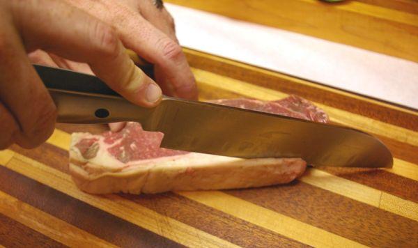 Steak_trimming_fat