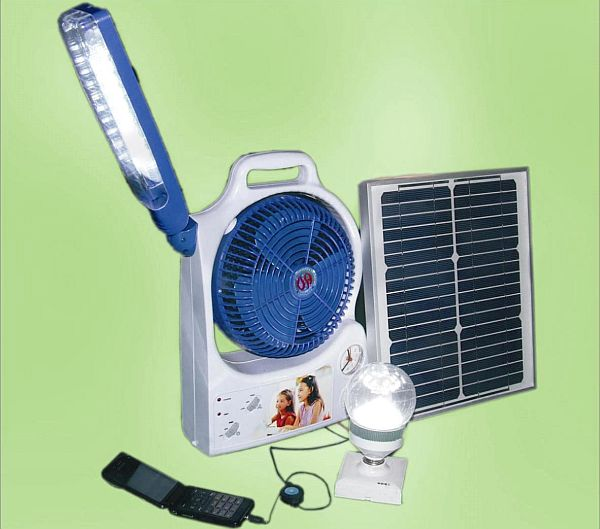 China_solar_power_fan_with_light20113161105003
