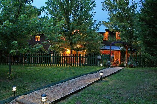 Cedar House Inns and Yurts_1