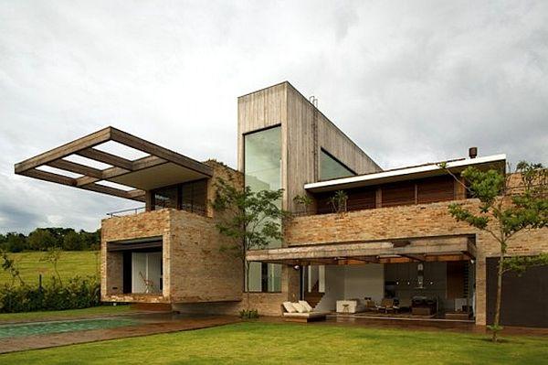 Home made using recycled bricks
