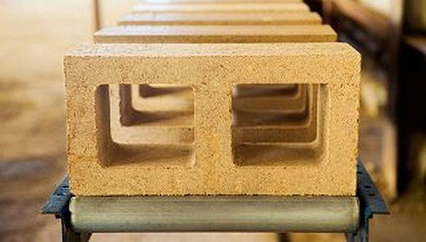 Low carbon concrete blocks