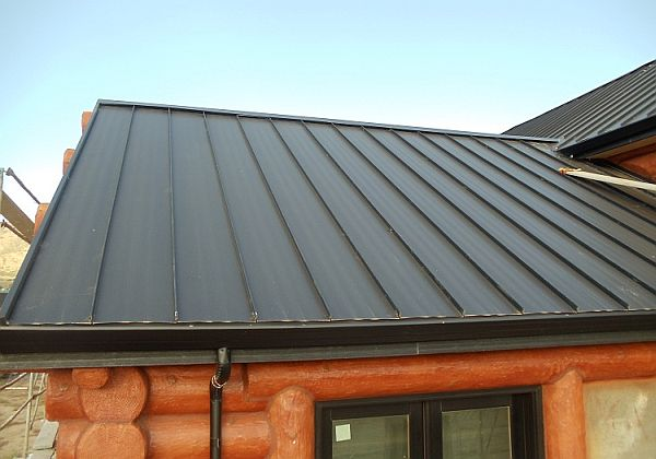 Standing-seam metal roof