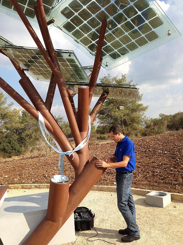 Solar Powered Tree_4