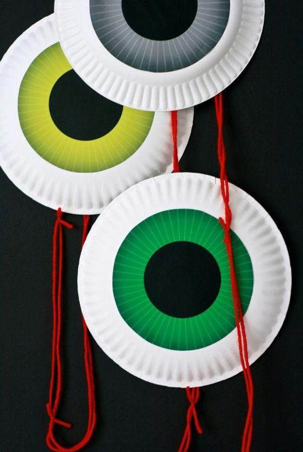 Dangling eyeball door decoration