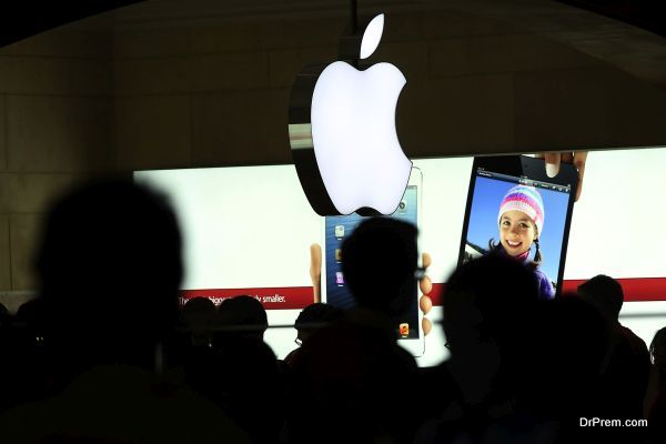 "Apple Shares Continue To Fall After ""Death Cross"""