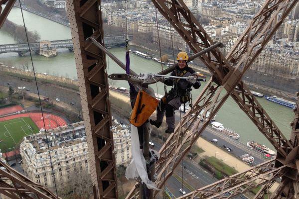wind turbines on Eiffel Tower (3)