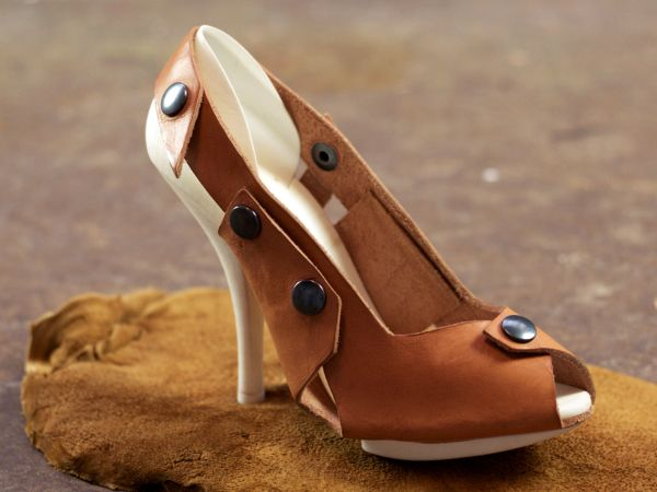 alice-zero-waste-shoe-grown-from-fungus