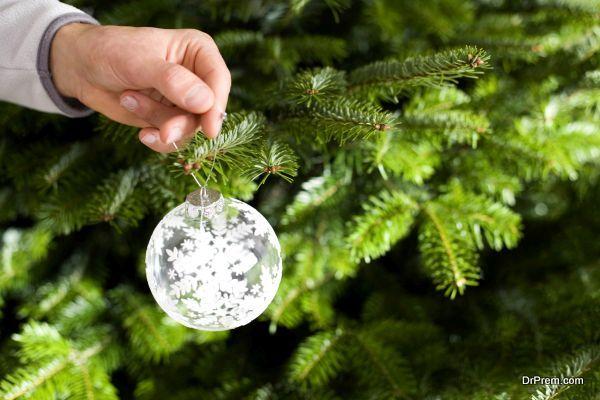 reuse-plastic-christmas-trees