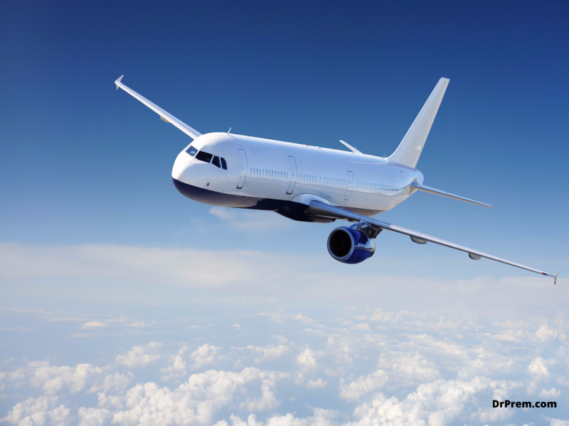 Tips for reducing your carbon footprint while air traveling