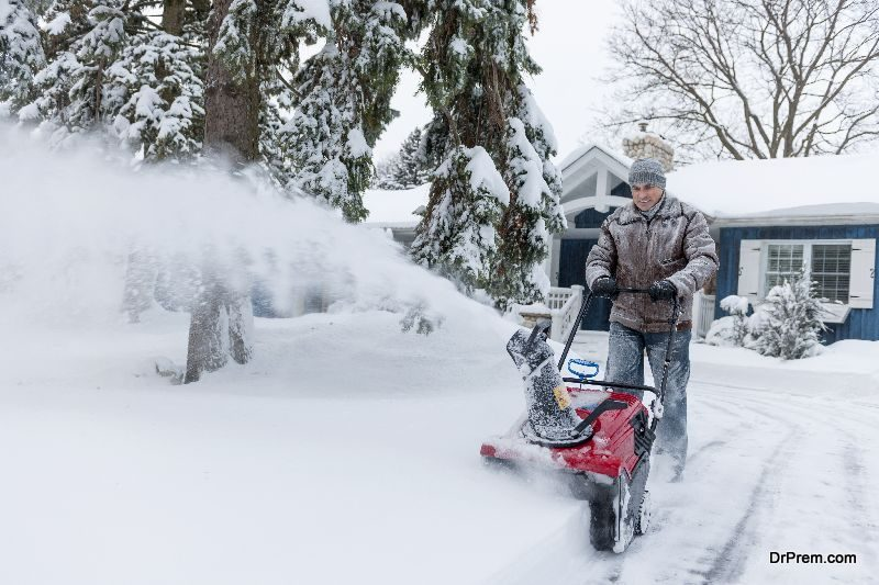 battery-operated-snow-blowers