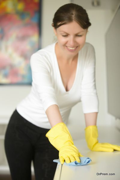 Avoid chemicals for dusting