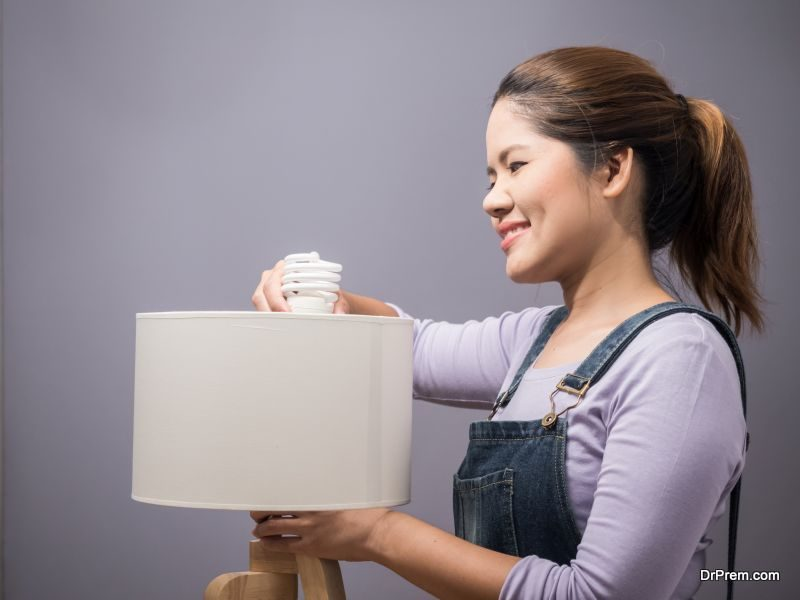 Switch-to-compact-fluorescent-bulbs