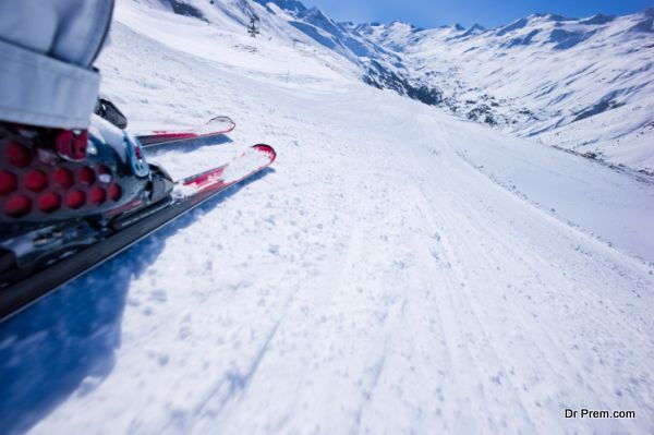 eco-friendly-skiing-and-snow-boarding