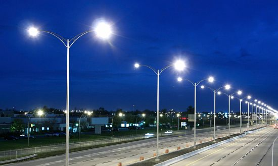 World's first fully autonomous solar streetlights
