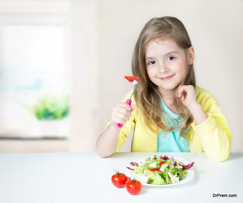 kid-eating-healthy-food