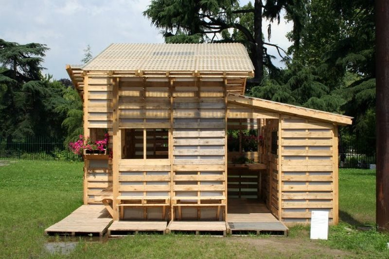 wood-house.