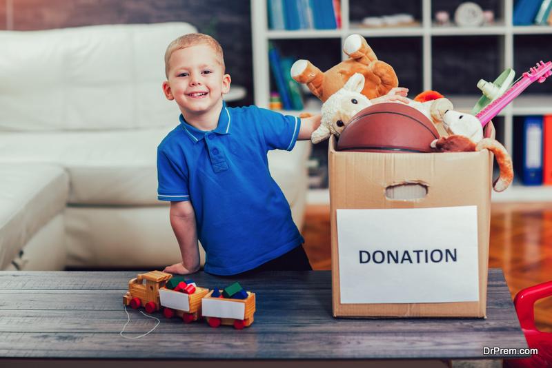 child-donating-toys