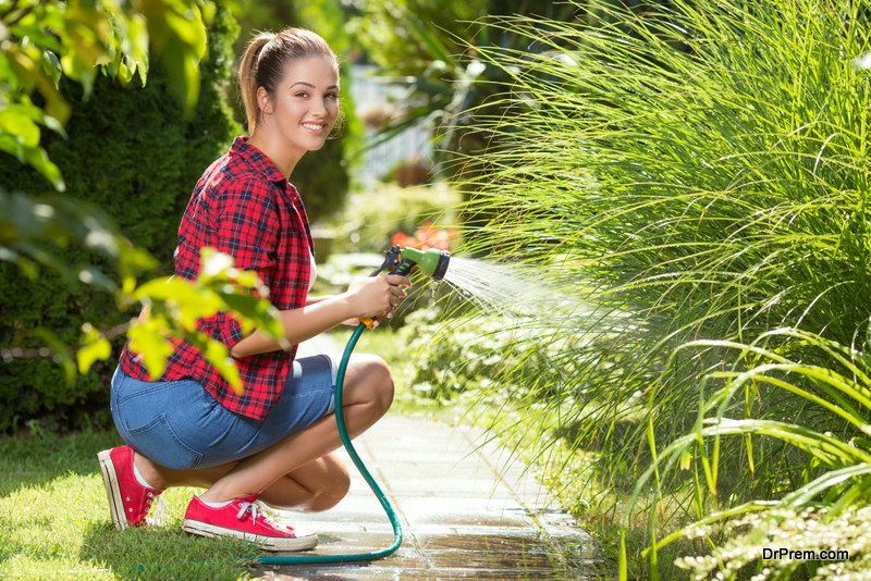 woman-Keeping-the-garden-clear-and-tidy