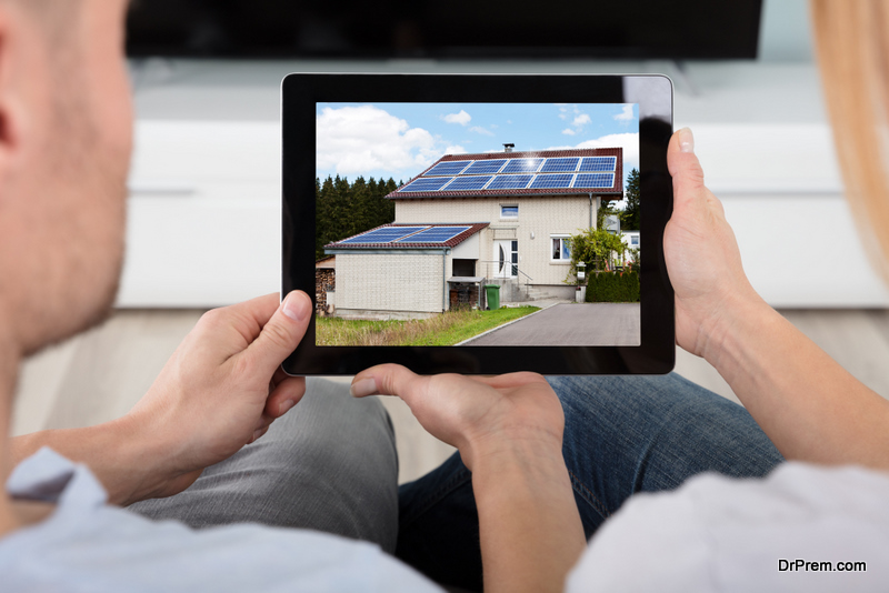 Solar-panel-installed-at-homes-roof